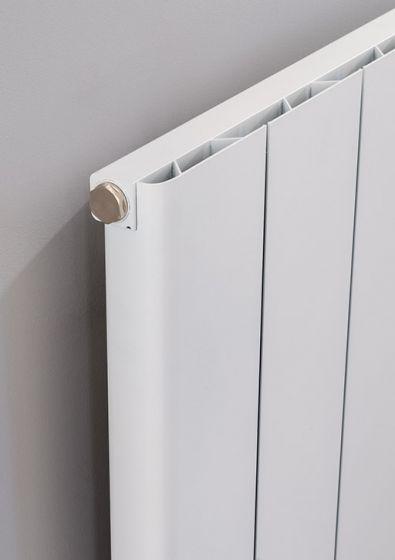 Textured matt white finish on Ronde aluminium radiator