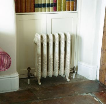 Nightingale cast iron radiator in antiqued cream